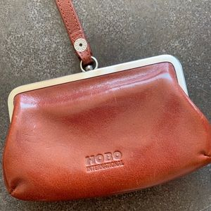 FINAL PRICE💥Brown leather HOBO Intl coin wristlet